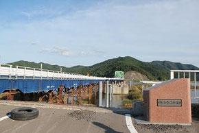 仮復旧された北上大橋