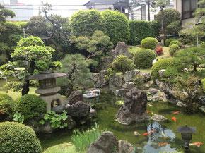 得月楼の庭園