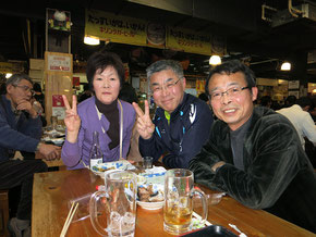 石川県から参加の勘田さんとひろめ市場で