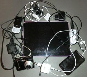 Ipad, Handy, Camera, Ipod, Smartphone - der moderne Kabelsalat