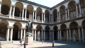 OmoGirando Brera, il cortile della Pinacoteca