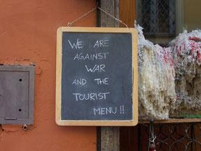 Rom - vor einer Trattoria in Trastevere