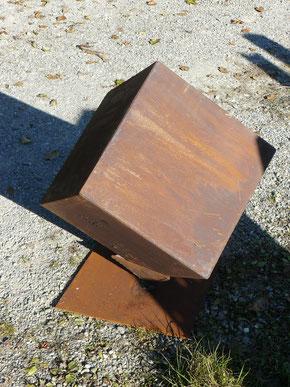Eisenwürfel 40x40 cm