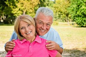 Implantate können bis ins hohe Alter gesetzt werden.