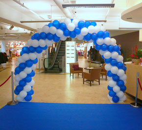 Luftballon Ballon Bogen Eingang Dekoration Modehaus Gebrüder Götz Würzburg Oktoberfest Event Firma