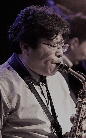 左から 中澤健(p)、山﨑俊樹(sax)、石井大介(b)、中川直紀(ds)