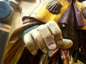 Etape 5: les doigts sont peints et vieillis