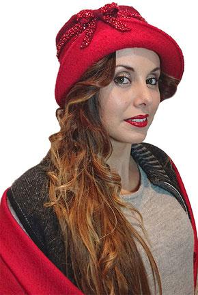 Création artisanale de chapeaux, bérets, mitaines... en laine bouillie et polaire