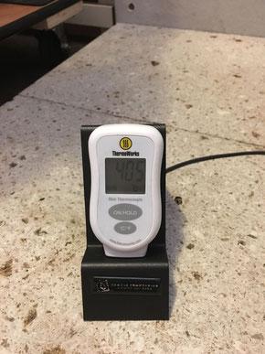 薪ストーブ燃焼室の温度計