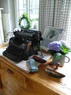 So könnte es auch in einem dänischen Haus aussehen, skandinavische Deko im Shabby Chic in der Sternschnuppe home & garden in Eichelhardt
