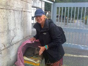 Teresa in partenza verso il veterinario assieme a zia Valeria
