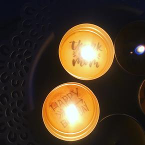 Teelicht mit Botschaft - Bienenwachs macht's möglich