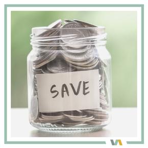 Spardose / Glas mit Kleingeld: Kostenkrontrolle durch VAJUS Virtuelle Assistenz