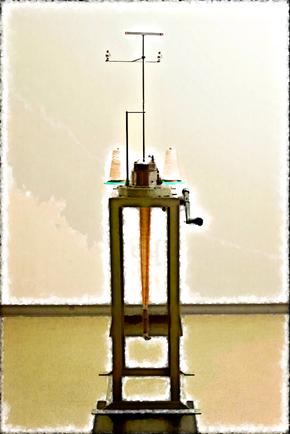 靴下編み機のレプリカ