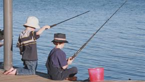 Bild: Fischen für Schulkinder Frauennetz Meggen