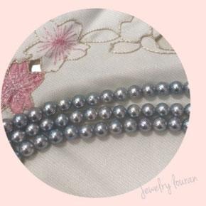 グレー系アコヤ真珠 黒真珠 冠婚葬祭だけでなく、普段から使える真珠