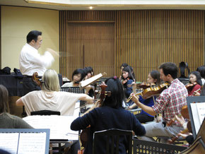 Toki Quartet with Tokyo University of Arts String Orchestra, rehearsing Elgar Introduction & Allegro