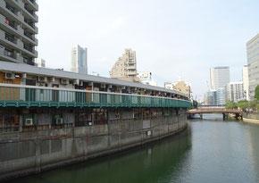 大岡川と都橋商店街