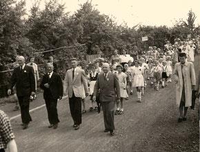 Festzug in der Wegmannstraße (17.Mai 1953)