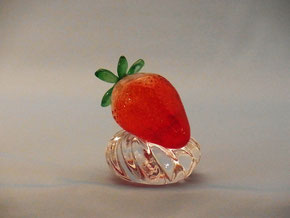 間宮香織 「イチゴのペーパーウェイト」