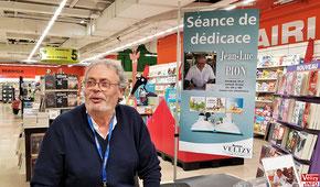 Jean-Luc Pion en dédicace à Auchan Vélizy.