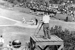 La prima partita ripresa dalla TV tra Columbia e Princeton il 17 maggio 1939 (Foto da Columbia University Athletics)