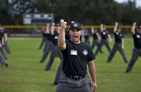 Nella foto un momento adestrativo della Minor League Baseball Umpire Training Academy in Vero Beach