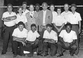 Nella foto Alfio D'Aprile (il 7° da sinistra) 3rd ISF Women's World Championship August 8-14, 1974 Stratford, CT, USA