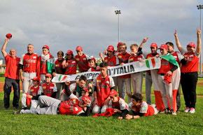 Nella foto la squadra di Bolzano dove giocava Alessio, Campione d'Italia Allievi 2013