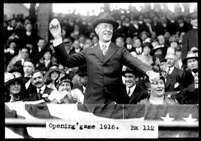 Il presidente Woodrow Wilson al lancio della prima palla nel 1916