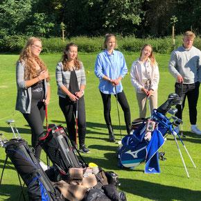 Die Sportmanagement-Studierenden vom Bodensee Campus bekommen heute auf dem Golfplatz Einblicke in das Management eines Golf-Clubs.