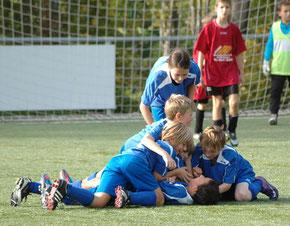 TSG Seckenheim Fußball Torjubel