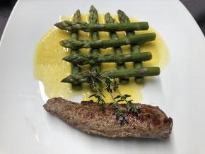 Lammfilet mit grünem Spargel