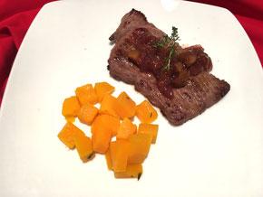 Rehschnitzel mit Feigen-Chutney und Kürbis