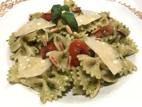 Farfalle an Pesto-Sauce
