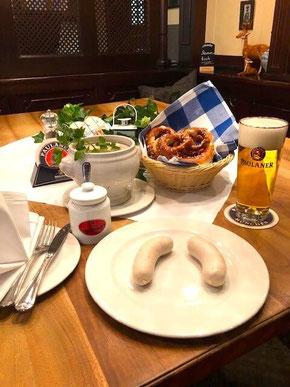 Das Weißwurstfrühstück vom Paulaner im Tal in München
