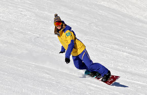 session privée snowboard val d'Isère, apprendre de mieux rider, carver sur le piste