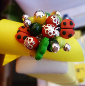 anello con charms in fimo