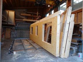 Elementholzbau Minergiestandard Holzbau Bauholz Produktion und Herstellung im Werk Wangen D. Vogt Holzbau GmbH, 8855 Wangen SZ
