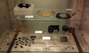 bronze- und eisenzeitlicher Schmuck, National Museum of Scotland