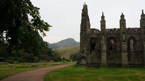Holyrood Abbey und Arthur´s Seat, Edinburgh