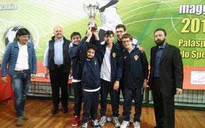 Il Messina Primavera alza al cielo la Supercoppa