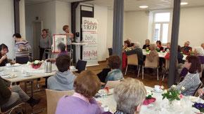 Herr PHK Stürmer erzählt aus der Praxis (Bild von Georg Keller)