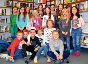 Neue Eindrücke, ganz ohne Elektronik, konnten die Jungs und Mädchen in der Lesenacht in der Bücherei Pflaumheim erleben.  (Foto: C. Reichert-Rachor)