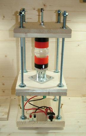 Materie-Reaktor mit Gewindestangen v2