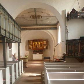 Keitum, St. Severin, Lautsprecher rechts zwischen Chorbogen und Kanzel