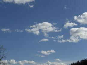 Weißblauer Himmel - ungetrübt durch Touristen?