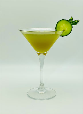 Cocktail Cucumber & Mint Martini, Cucumber & Mint Martini, Cucumber and Mint Martini, cucumber, gurke, cocktail mit gurke, cocktail with cucumber