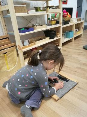 Cadres d'habillage, Communauté enfantine Montessori / Ateliers À la Volette-Montessori