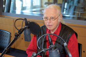 Horst Bosetzky im Studio von Deutschlandradio Kultur